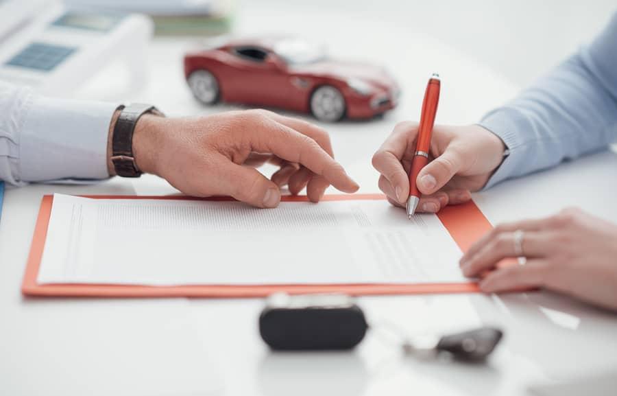 https://www.sflinjuryattorneys.com/wp-content/uploads/2017/11/bigstock-Driver-Signing-A-Car-Insurance-172909202.jpg